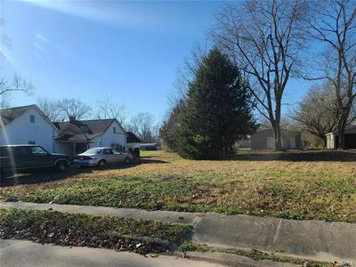 307 SCHNEIDER ST, Carterville, IL 62918 - Photo 2