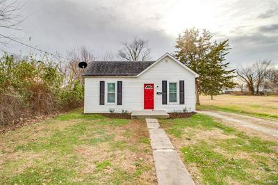 400 LOTT ST, Jerseyville, IL 62052 - Photo 1