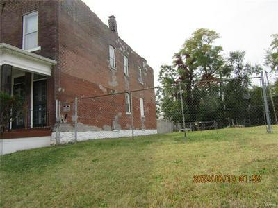 5942 WABADA AVE, St Louis, MO 63112 - Photo 2