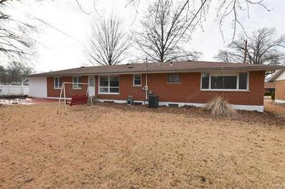 12 VALLEY DR, FLORISSANT, MO 63031 - Photo 2