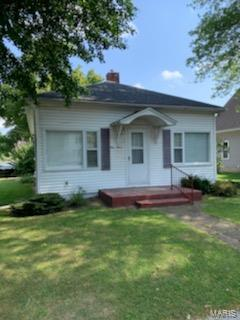 112 W BROAD ST, Raymond, IL 62560 - Photo 1