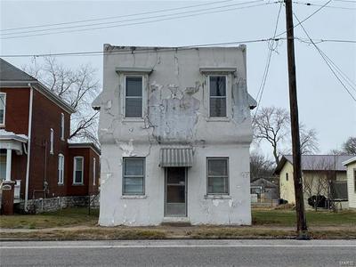 825 S ILLINOIS ST, Belleville, IL 62220 - Photo 1