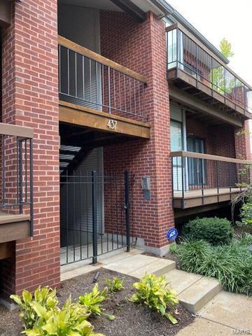 437 CLARA AVE APT 17, St Louis, MO 63112 - Photo 1