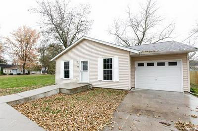 514 W GREEN ST, MASCOUTAH, IL 62258 - Photo 2