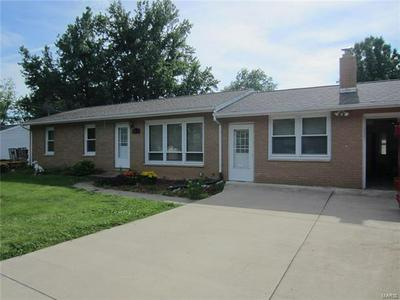 5012 W VICTOR DR, Godfrey, IL 62035 - Photo 2