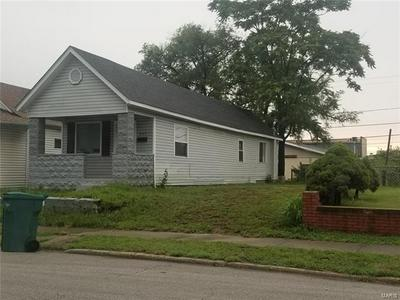 805 IOWA ST, Madison, IL 62060 - Photo 1