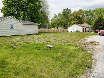 1605 N HARRISON ST, Litchfield, IL 62056 - Photo 2