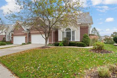 330 SHETLAND VALLEY CT, Chesterfield, MO 63005 - Photo 2