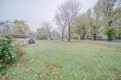 94 S CARSON ST, St James, MO 65559 - Photo 2