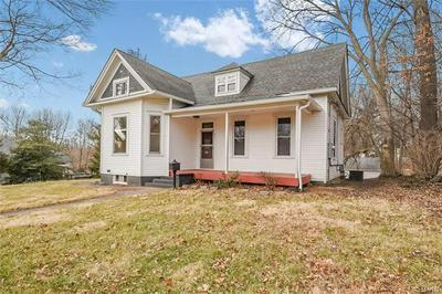 233 W UNION ST, Edwardsville, IL 62025 - Photo 2