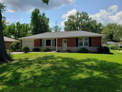 1550 KANE ST, Carlyle, IL 62231 - Photo 2