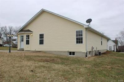 308 E 3RD ST, Moscow Mills, MO 63362 - Photo 2
