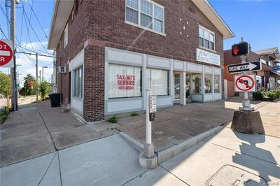 8200 GRAVOIS RD, St Louis, MO 63123 - Photo 2