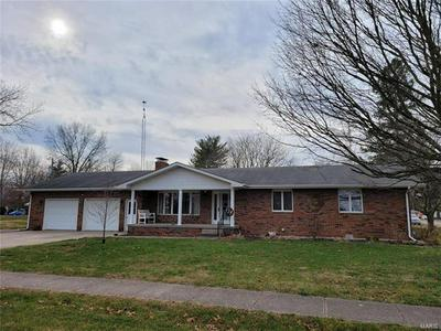 402 E EAST ST, Raymond, IL 62560 - Photo 2