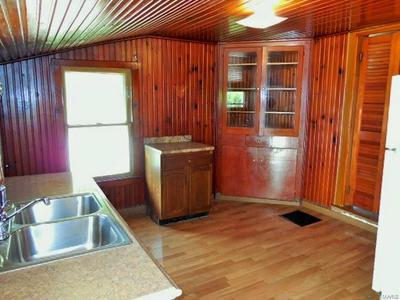 215 W TERRACE AVE, Hannibal, MO 63401 - Photo 2