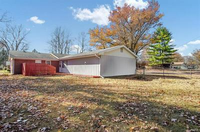 201 BOUNTIFUL DR, Fairview Heights, IL 62208 - Photo 2