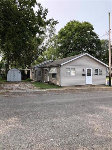 105 W HIGH ST, Freeburg, IL 62243 - Photo 1