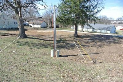 824 N MAIN ST, Perryville, MO 63775 - Photo 2