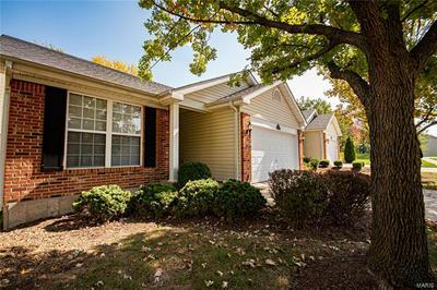 10152 SHAPFIELD LN, St Louis, MO 63123 - Photo 1