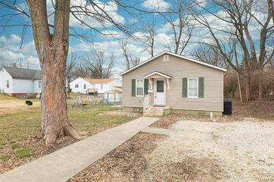 208 POTTS ST, Jerseyville, IL 62052 - Photo 2