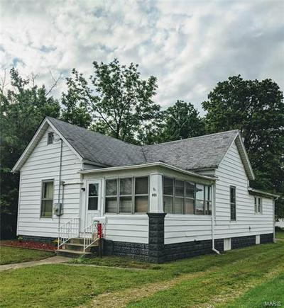 914 W CHESTNUT ST, Marion, IL 62959 - Photo 2