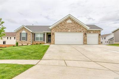 527 HORSESHOE BEND DR, Wentzville, MO 63385 - Photo 1