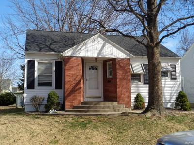 712 FORREST AVE, Quincy, IL 62301 - Photo 1