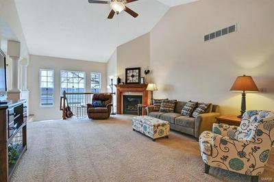 135 INDEPENDENCE DR, BETHALTO, IL 62010 - Photo 2