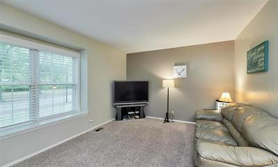 15079 ISLEVIEW DR, Chesterfield, MO 63017 - Photo 2