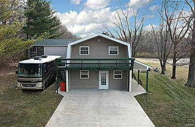 18500 BURNSIDE RD, Carlyle, IL 62231 - Photo 2