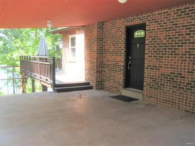 70 WATER FRONT DR, CREAL SPRINGS, IL 62922 - Photo 2