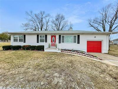 6009 OLD COLLINSVILLE RD, Fairview Heights, IL 62208 - Photo 1