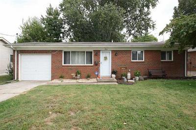 914 VIVIAN ST, Collinsville, IL 62234 - Photo 1