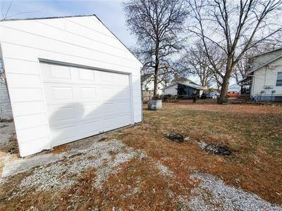 1406 N 2ND ST, Edwardsville, IL 62025 - Photo 2