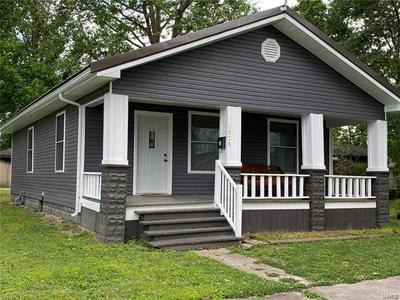 1923 HERBERT ST, Murphysboro, IL 62966 - Photo 1