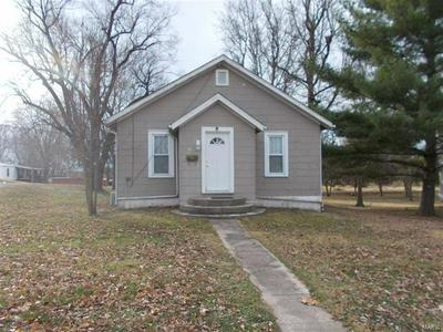 708 E MAIN ST, Steeleville, IL 62288 - Photo 1