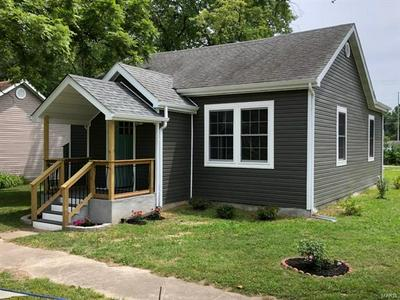 1690 FRANKLIN ST, Carlyle, IL 62231 - Photo 2