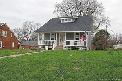706 N MAIN ST, Perryville, MO 63775 - Photo 1