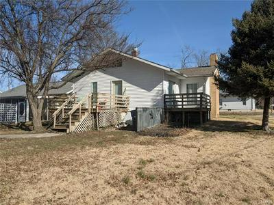 601 N PINE ST, Sparta, IL 62286 - Photo 2
