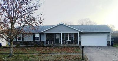 708 PECAN ST, Greenville, IL 62246 - Photo 1