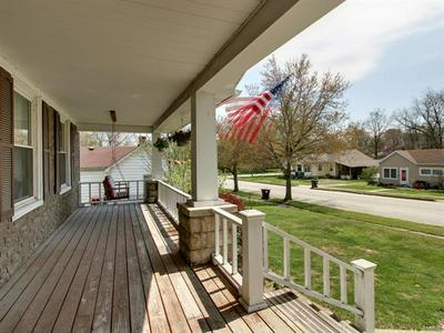 210 E ROSS ST, Palmyra, MO 63461 - Photo 2