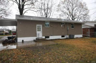 3133 DAVIS AVE, Granite City, IL 62040 - Photo 2