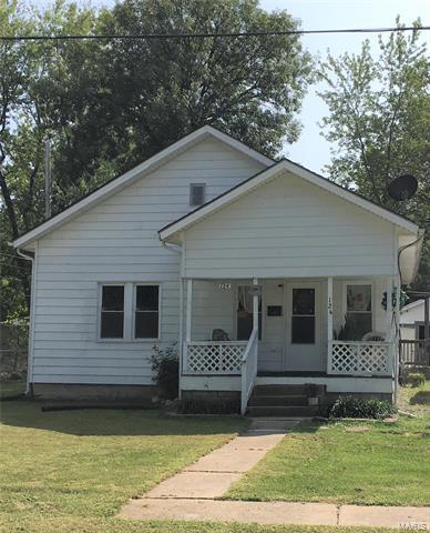124 W BURNETT ST, Centralia, MO 65240 - Photo 1