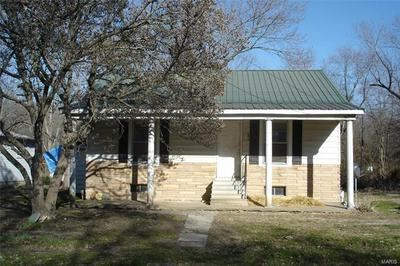 306 N GOLDHEIMER AVE, Benton, IL 62812 - Photo 1