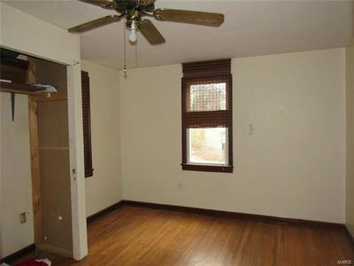 110 GRIDLEY ST, Steelville, MO 65565 - Photo 2