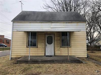 330 N 11TH ST, Belleville, IL 62220 - Photo 1