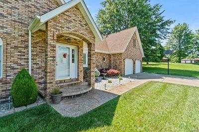 910 S PARKVIEW DR, Perryville, MO 63775 - Photo 2