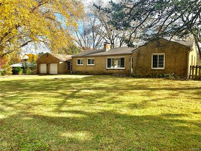 26 FAIRVIEW DR, Fairview Heights, IL 62208 - Photo 2