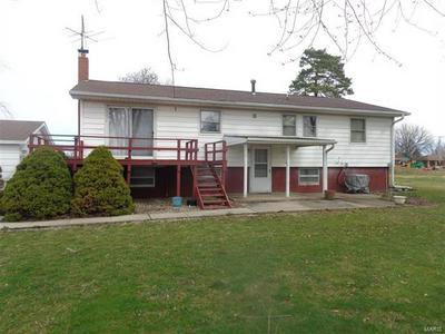 511 S OBANNON ST, RAYMOND, IL 62560 - Photo 2
