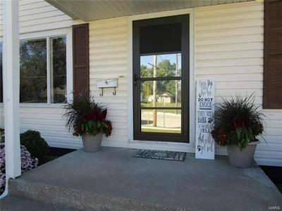 925 GRAND AVE, Perryville, MO 63775 - Photo 2